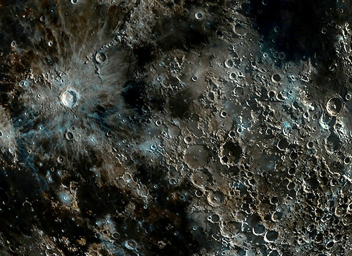 Bức ảnh Mặt trăng của nhiếp ảnh gia sắc nét như ảnh vệ tinh